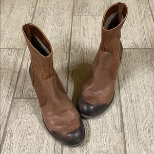 Beautiful leather high ankle boots